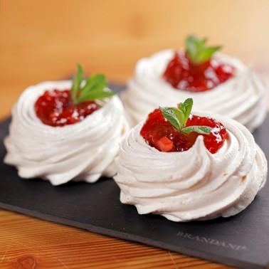 Strawberries and Elderberries Jam di Alessio Brusadin